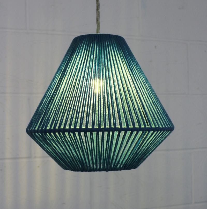 XS Geometric Aqua lit